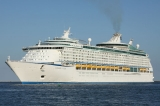 Voyager_Of_The_Seas__20-06-2011_Ravenna_s.jpg